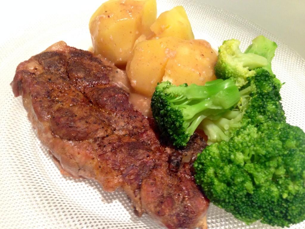 Mor spiser fortiden torsk til middag hver dag,  men hun lager likevel deilig middagsmat til oss.